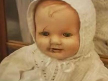 poupées hantées mandy la poupée