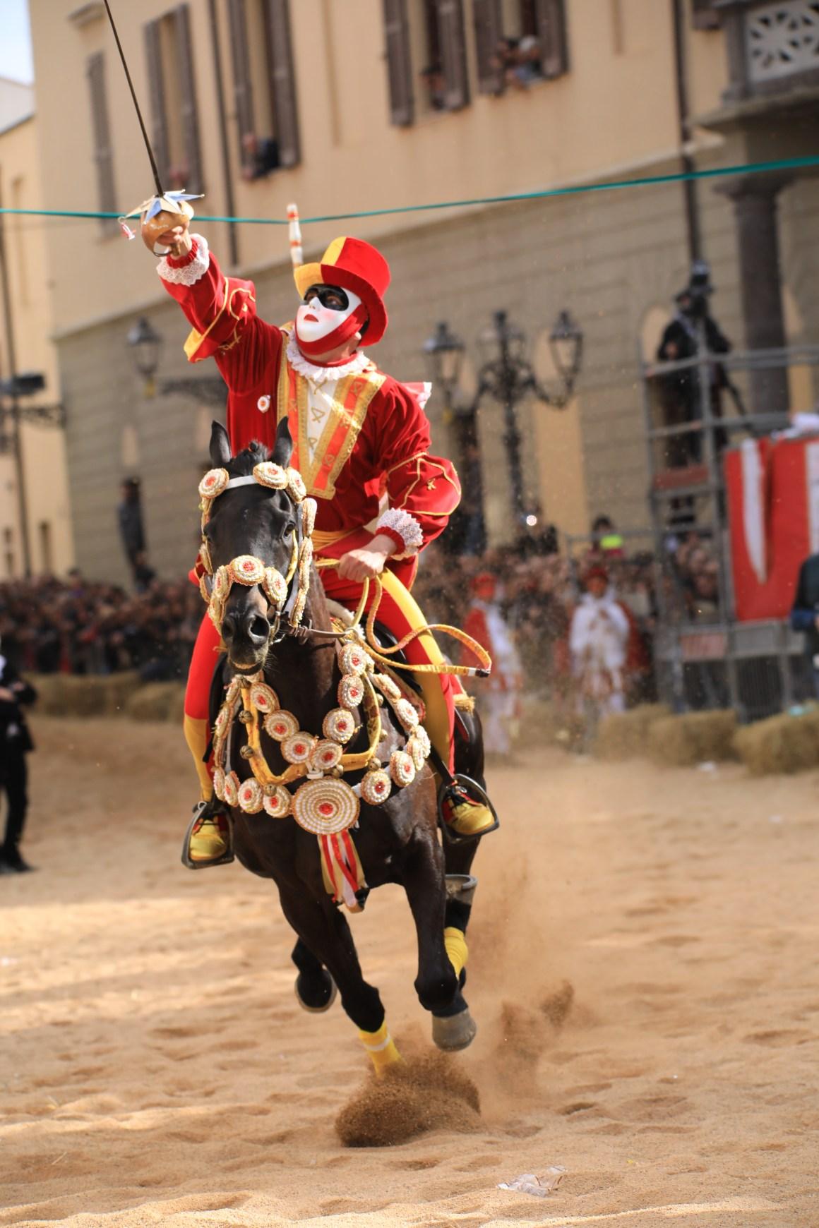 La corsa della stella - Sa Sartiglia (da www.sartiglia.info)