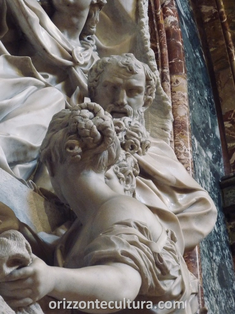 Dettaglio bassorilievo Cappella del Monte di Pietà