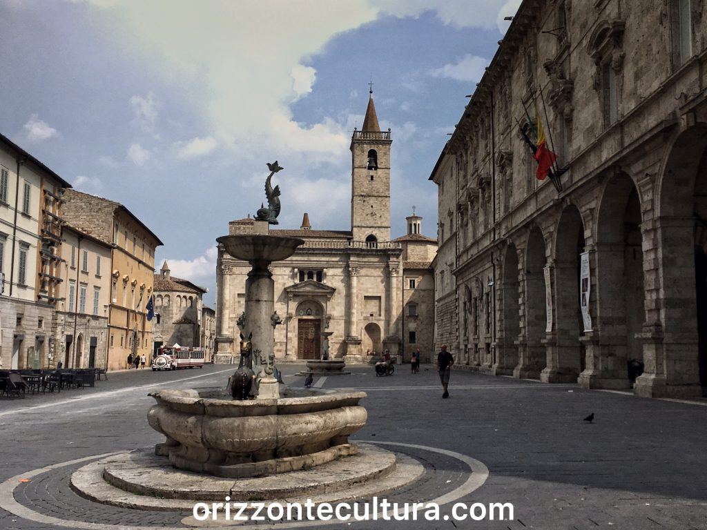 Piazza Arringo ad Ascoli Piceno, Cosa vedere Ascoli Piceno arte enogastronomia