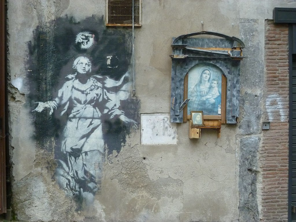 Banksy Madonna con la pistola Napoli