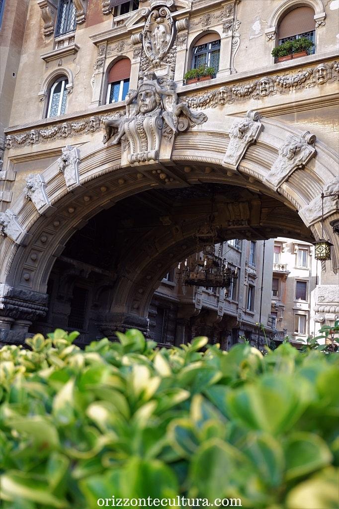 Il portale d'ingresso a Coppedè