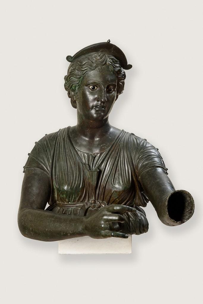 Busto in bronzo di Artemide Diana saettante, mostra Pompei Colosseo