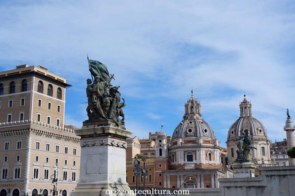Piazza Venezia, scorcio dell'Altare della Patria