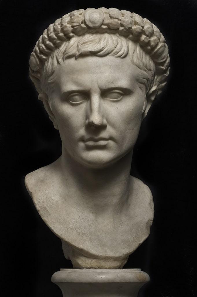 Ritratto di Augusto, Napoleone mostra Fori Imperiali