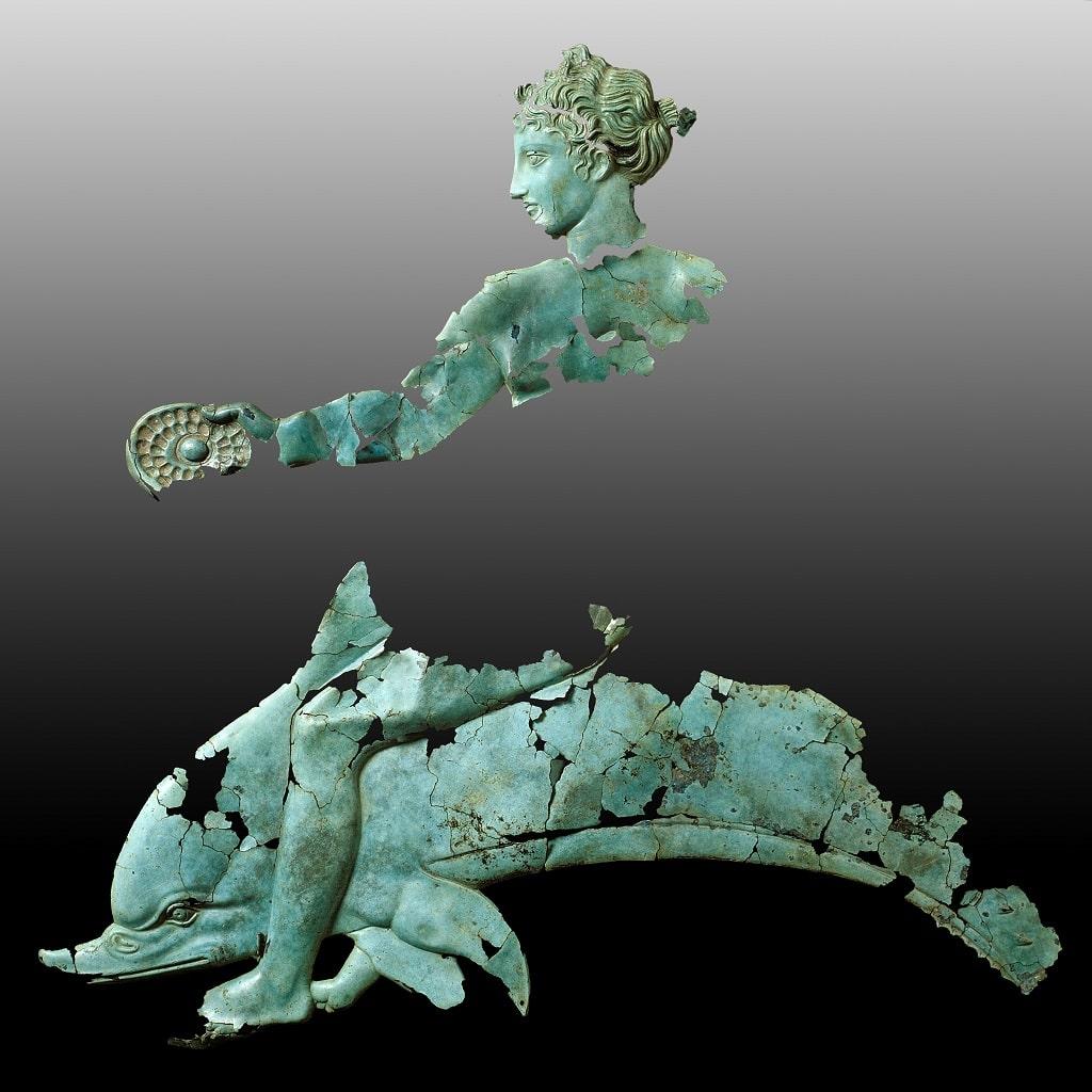 Decorazione di uno scudo con Taras, Tota Italia mostra