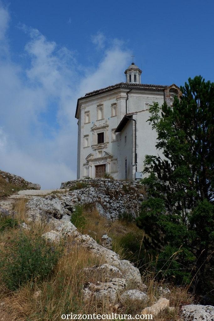 La chiesa di Santa Maria della Pietà a Rocca Calascio, Rocca Calascio cosa vedere