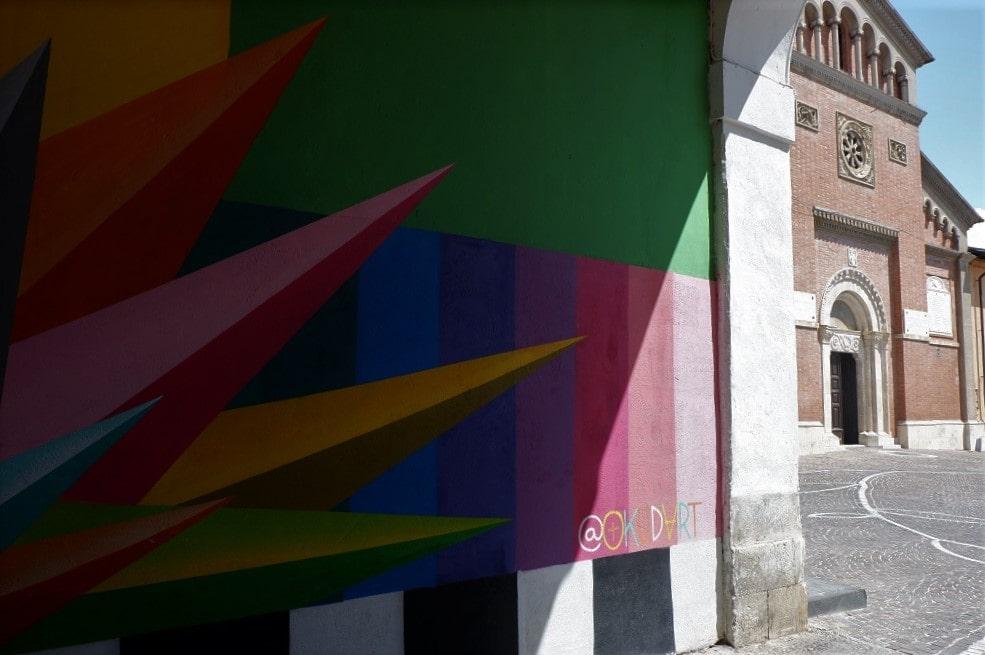 Scorcio con il murale di Okuda San Miguel, Aielli murales Abruzzo