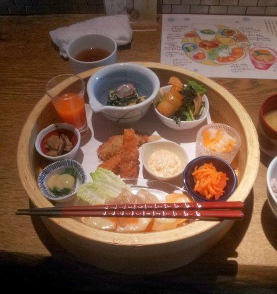 Pranzo da Yasaiya Mei, Omotesando