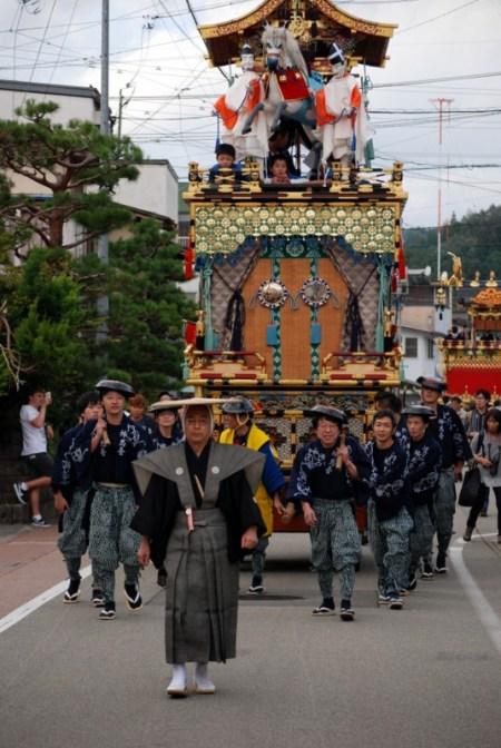 Takayama matsuri, la processione diurna