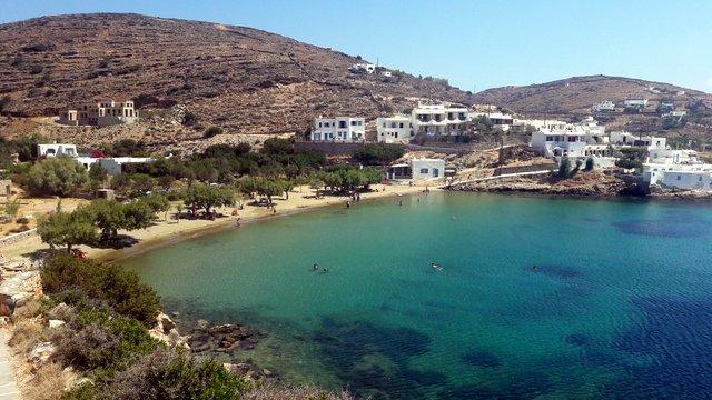 Le spiagge di Sifnos: Faros e la spiaggia di Glyfo