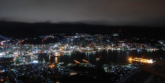 Nagasaki vista dal monte Inasa di notte
