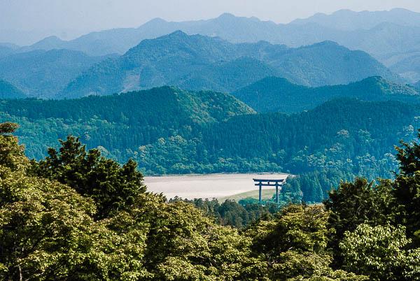 Il grande torii del santuario di Hongu