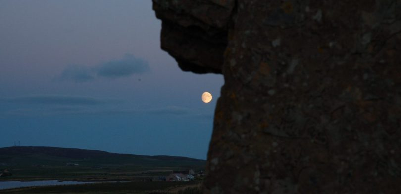 Moon rise at Ring of Brodgar