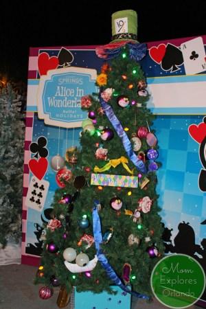 Disney Springs looks so pretty at Christmas!