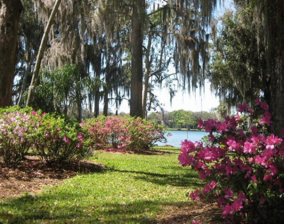Best Parks in Orlando - Kraft Azalea Garden - Winter Park Activities
