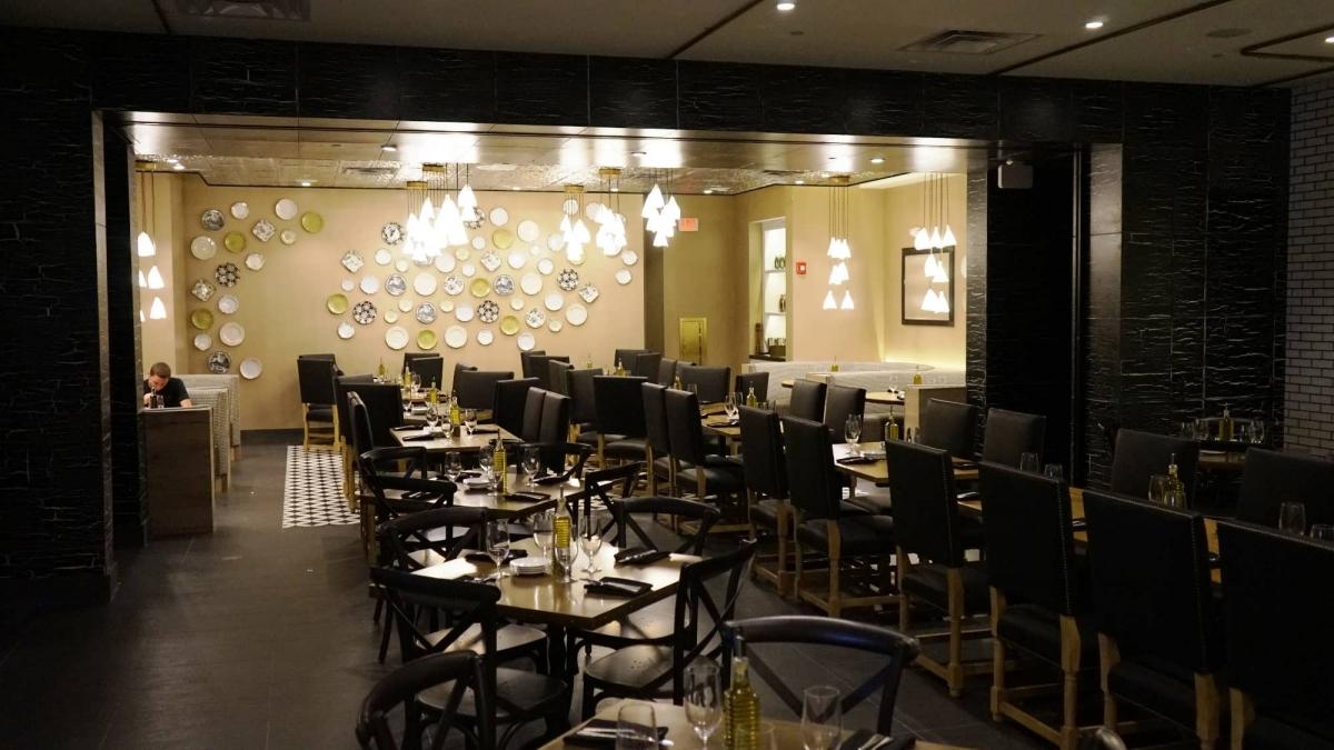 VIVO Italian Kitchen at Universal CityWalk Orlando  full