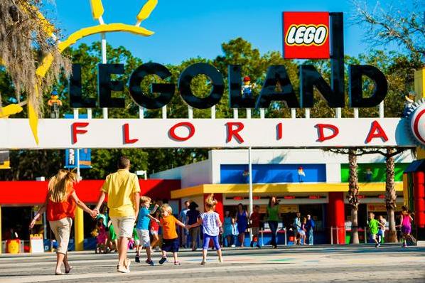 LEGOLAND Florida: image of theme park entrance