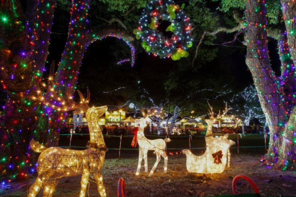 Holidays Orlando: image of Christmas lights in downtown Lake Mary