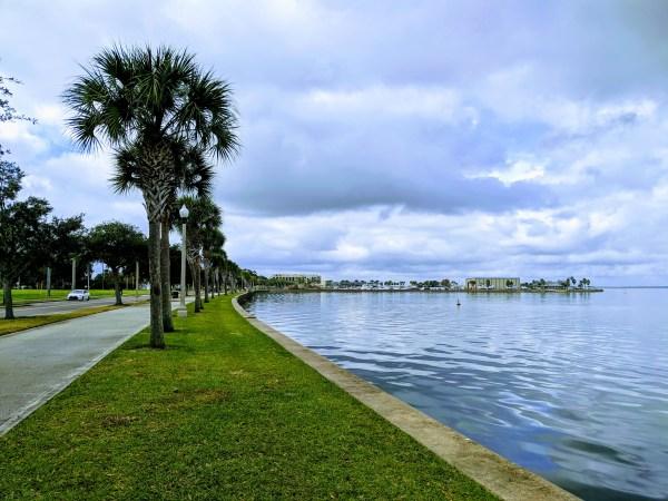Where to walk in Orlando: image of Sanford Riverwalk at Lake Monroe in Sanford, Florida