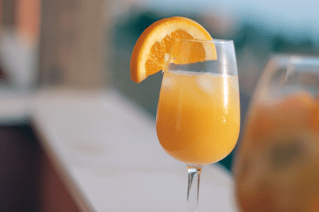 Bottomless mimosa brunch in Orlando: image of a mimosa cocktail