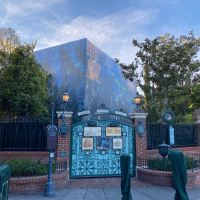 Disneyland's The Haunted Mansion Behind Scrims for Extensive Refurbishment