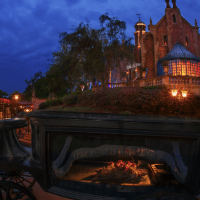 Ride Vehicle Malfunction Leads to Haunted Mansion Closure at Magic Kingdom