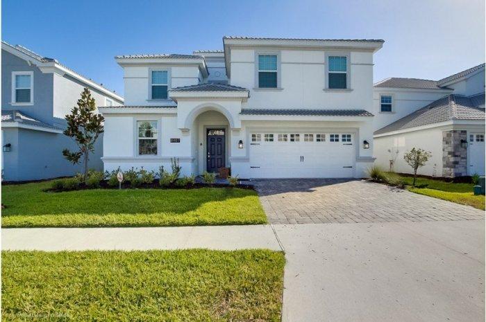 Specious 8B Orlando vacation rental home