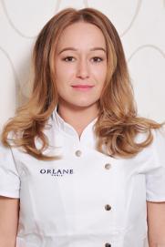 Tamara Molnar, manicurist, pedicurist