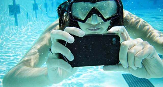 iPhone-Scuba-Suit-680x365