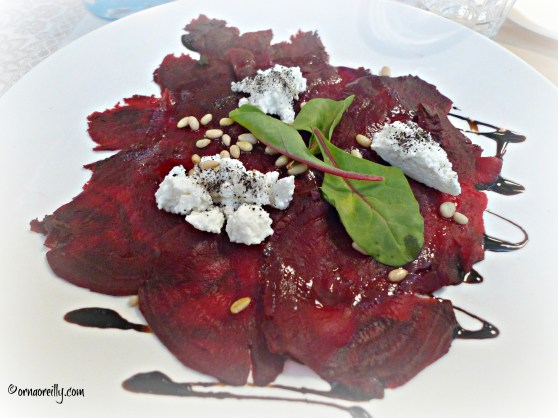 Beetroot with cottage cheese and balsamic