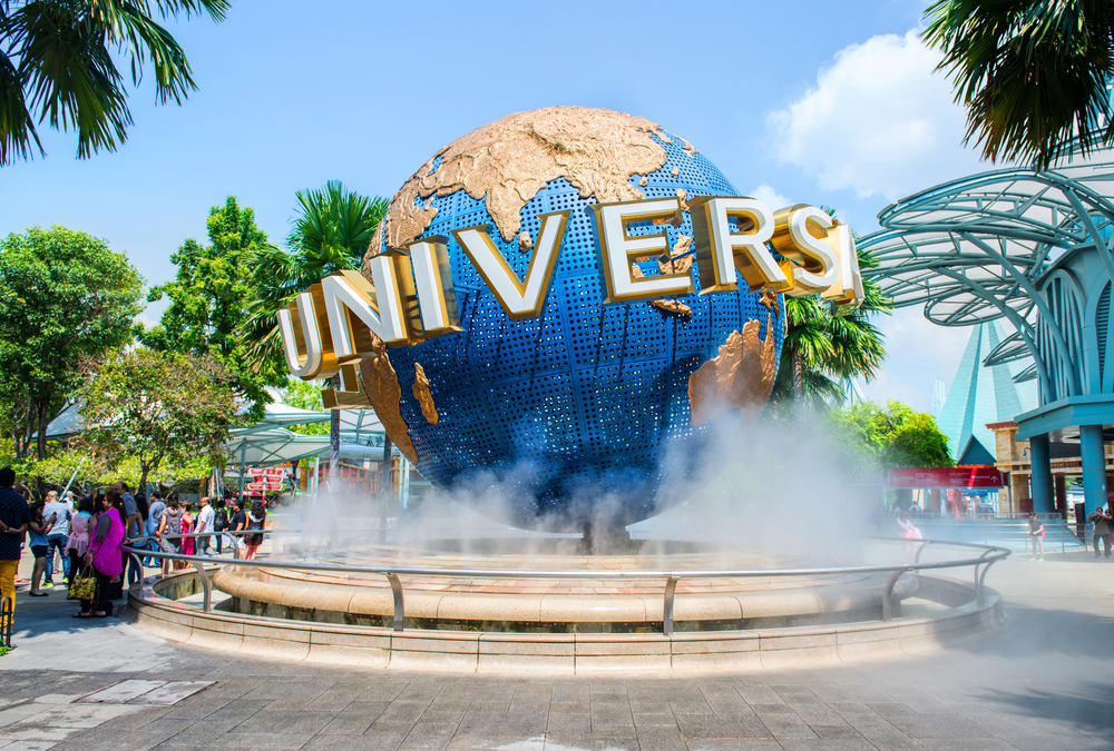 Visit Universal Studios Singapore Oro Gold Stores