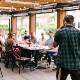 Pour faire un pitch efficace, donnez des exemples parlants, des anecdotes dont on se souviendra, des références qui font tilt, sans entrer dans les détails.