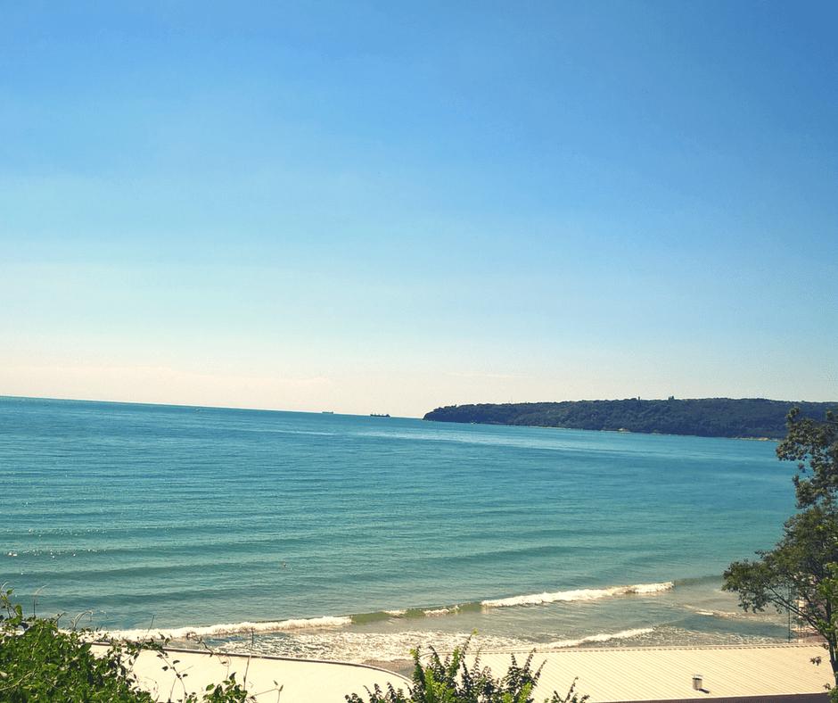 Varna beach panoramic view.png