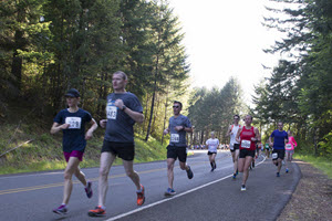 Runners at the Hagg Lake Runs 10K