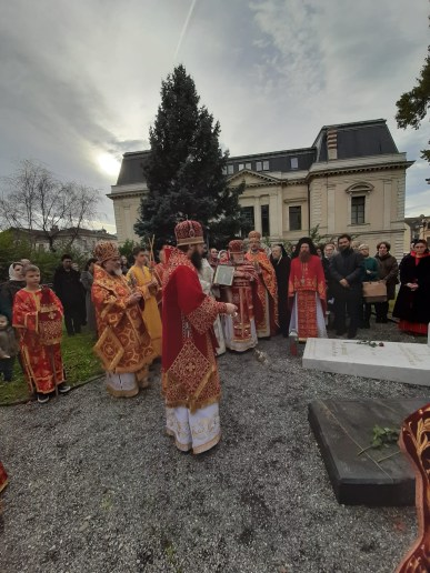 'Memory Eternal' at the tomb of Bishop Ambrose of Vevey