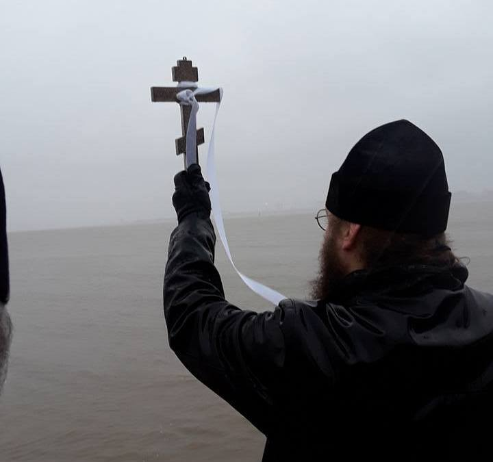 London Cathedral and Wallasey Parish Bless Nearby Rivers for Theophany – Photo report
