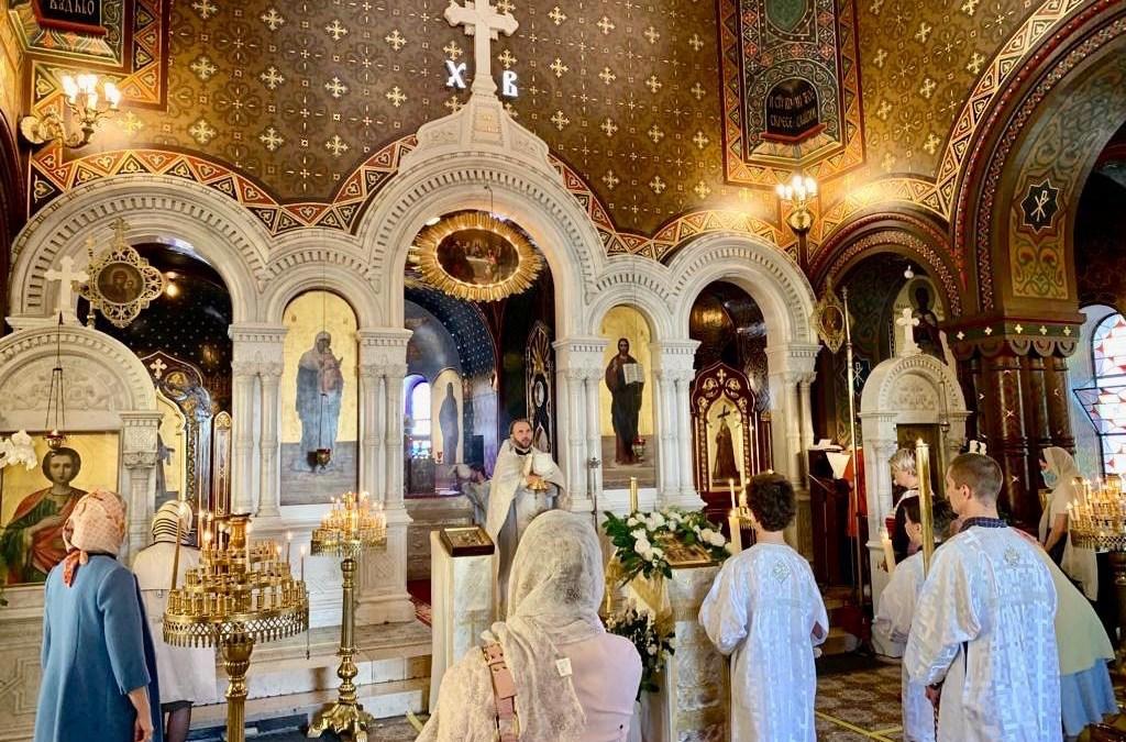 В день Вознесения Господня приходы Швейцариивновь открыли свои двери для прихожан.   On the Feast of the Ascension, the Parishes of Switzerland Again Opened Their Doors to the Faithful.