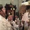 Ewangelię na wigilię Bożego Narodzenia czyta JE Arcybiskup Abel
