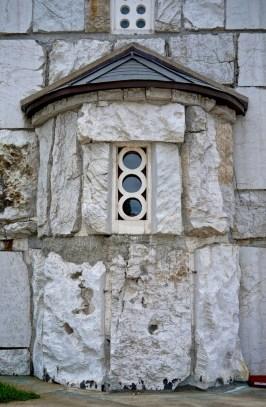 Stylizowane symboliczne detale architektoniczne