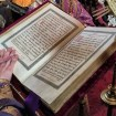 Ewangelię czyta ks. protodiakon Marek Waszczuk - purpurowe szaty