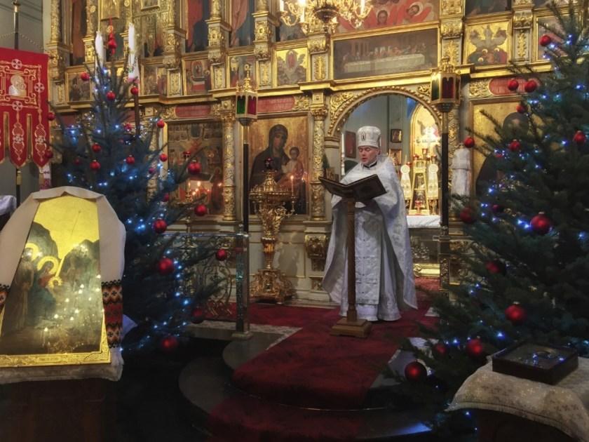 List Świętego Soboru Biskupów czyta ks. mitrat Andrzej Łoś