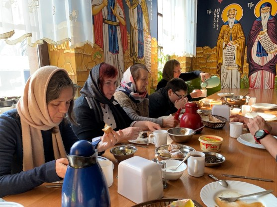 Postny monasterski posiłek po pracy