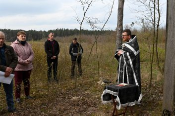 Panichida we wsi Szpaki w intencji zamordowanych w 1944 roku mieszkańców Nosowa