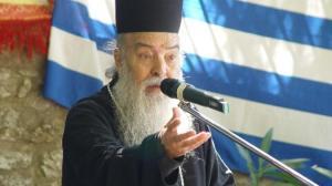 Mητροπολίτης Γόρτυνος και Μεγαλοπόλεως Ιερεμίας : «Ράσο φουστανέλλα, η πρώτη ελληνική σημαία»!
