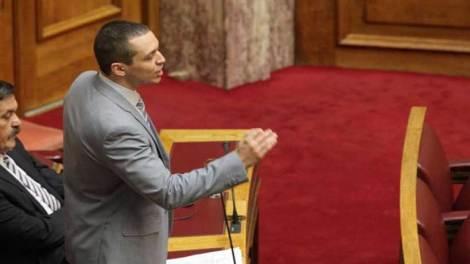 Χαμός στη Βουλή με τον Ηλία Κασιδιάρη