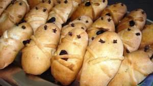 Φτιάξτε τα παραδοσιακά Λαζαράκια για το Σάββατο του Λαζάρου