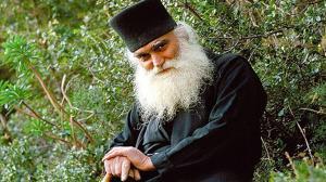 Γέροντας Εφραίμ Κατουνακιώτης: Το αυτί του Θεού είναι στο στόμα του ιερέως