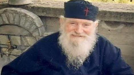 Ψυχοσάββατο της Πεντηκοστής - Ο πατήρ Ιωάννης Καλαΐδης για τους κεκοιμημένους