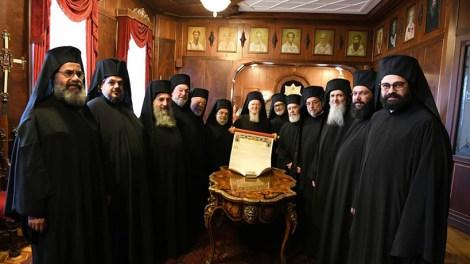 Ιερά Μητρόπολη Πειραιώς : Έκκληση προς την Ιερά Σύνοδο της Εκκλησίας της Ελλάδος αναφορικά με το Ουκρανικό ζήτημα